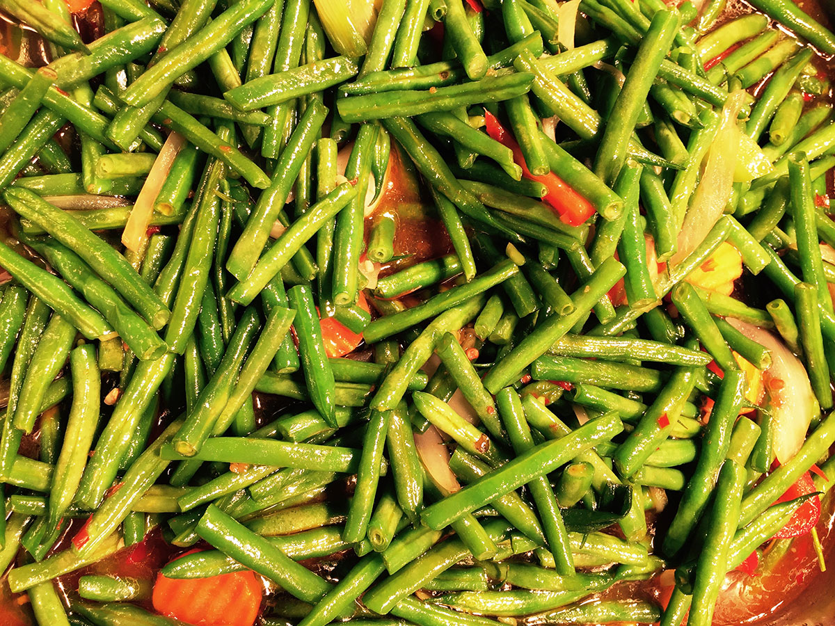 Green beans in the Aroma buffet